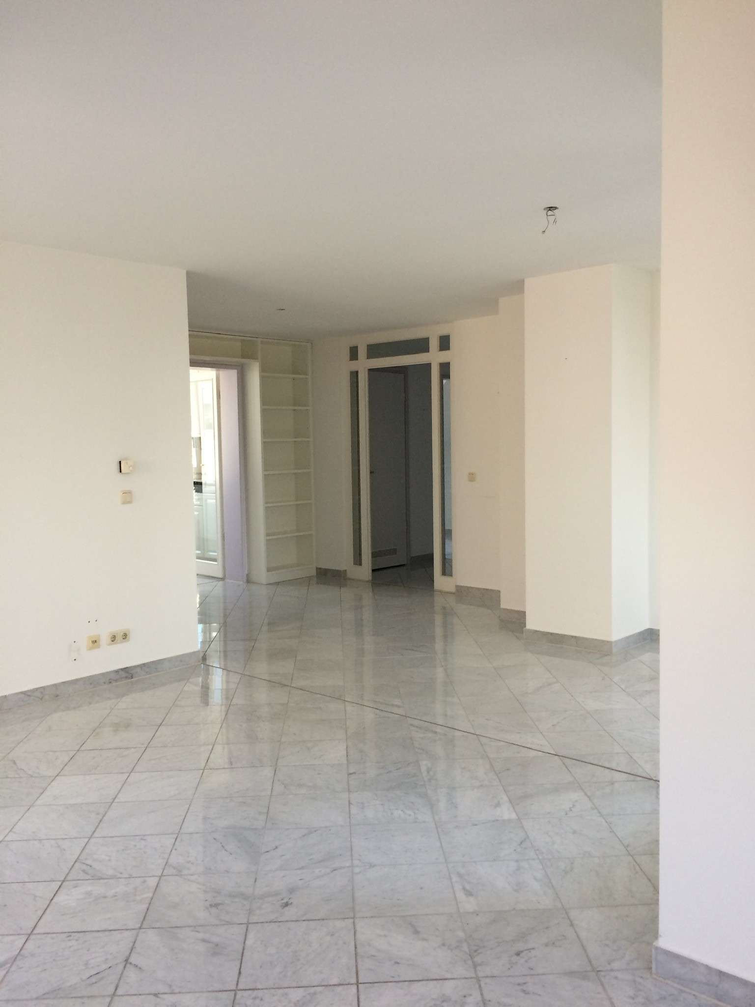 2-3 Zimmer-Dachgeschoss- Wohnung in malerischer Umgebung Isarhochufer Grünwald