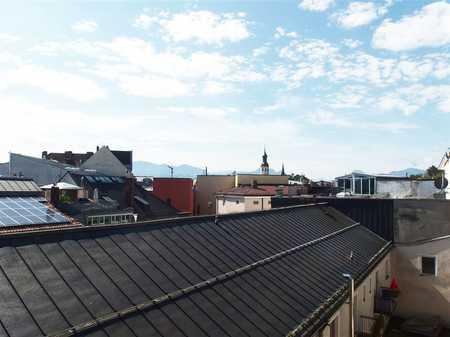 Mit Blick über die Dächer v. Ros.! Attrakt. 3–Zi.-Whg., 4. OG ohne Lift, Ros./Kaiserstraße   in Rosenheim-Innenstadt (Rosenheim)