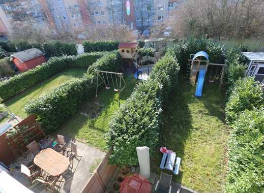 Ein verstecktes Familienparadies mitten in Düsseldorf,- viel Platz, sonnig, ruhig und hell!