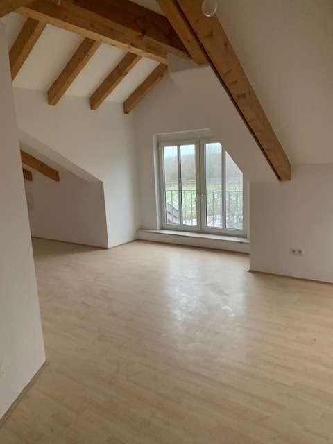 +Steinhöring+München-Ost+ Dachgeschoss, 5 Zimmer, Balkon, WG-geeignet, TG-Stellplatz in