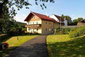 2 Zimmer Wohnung in Cham (Kreis)