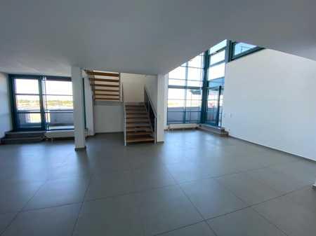 LUXUS Penthouse - Wohnen/Arbeiten über 2 Etagen in Augsburg-Haunstetten in Haunstetten (Augsburg)
