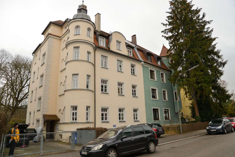 Helle Altbauwohnung, zentrumsnah an der Isar in West (Landshut)