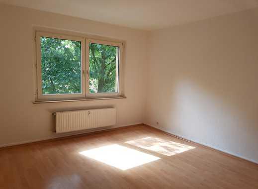 Top 3,5 Raum Wohnung mit Küchentheke! Weißes Bad!