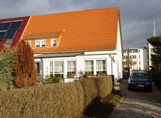 Gepflegtes Einfamilienhaus mit großem Grundstück