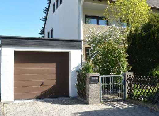 Gepflegte Doppelhaushälfte ... mit einer stattlichen Wfl. von ca. 160 m² auf 3 Ebenen ....
