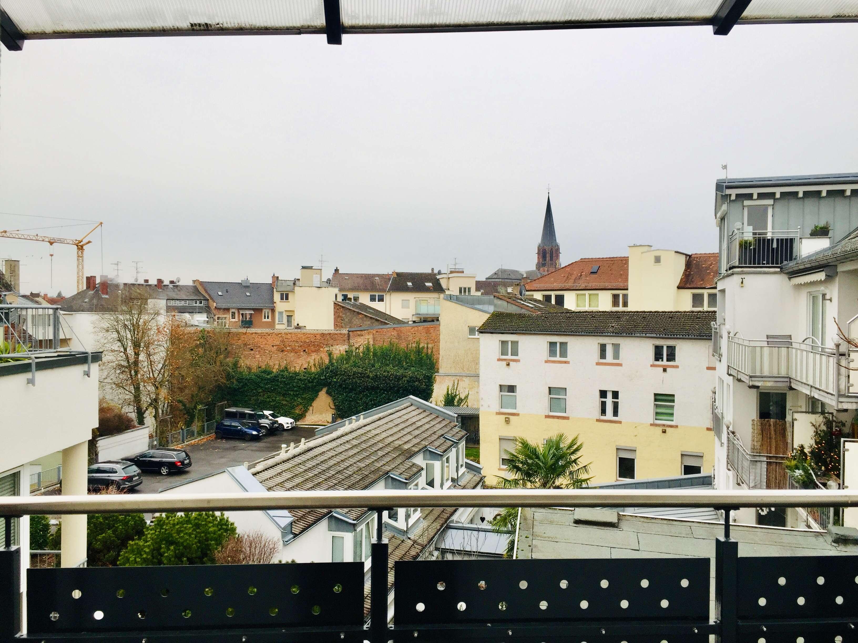 Im Herzen Aschaffenburgs: 3-Zimmer-Wohnung mit Balkon und Terrasse in