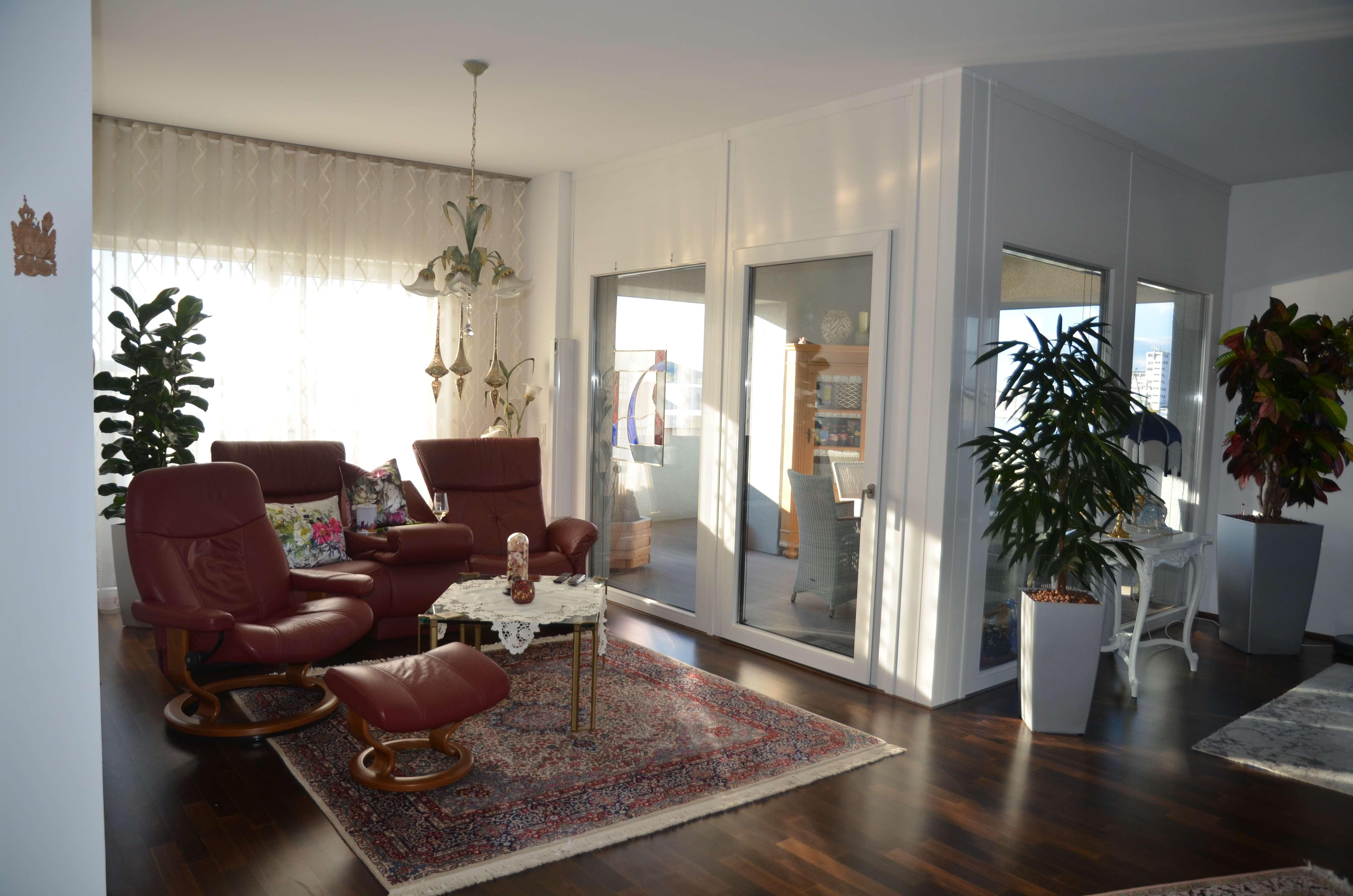 Bamberg-Erbainsel: exklusive 3-Zi.-Wohnung mit Loggia