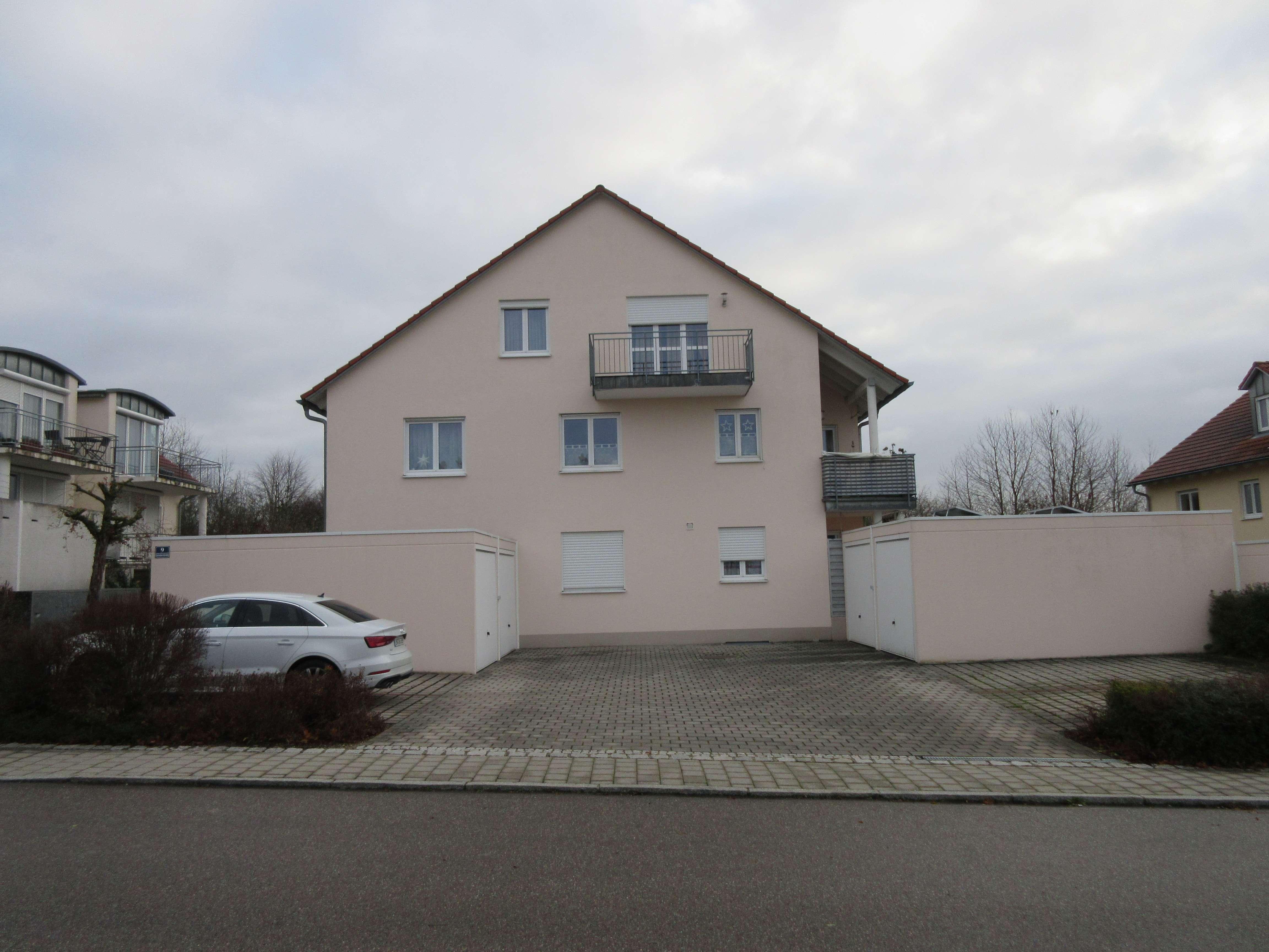 Komplett möblierte 2 Zimmer-Dachgeschoss-Wohnung in Wettstetten