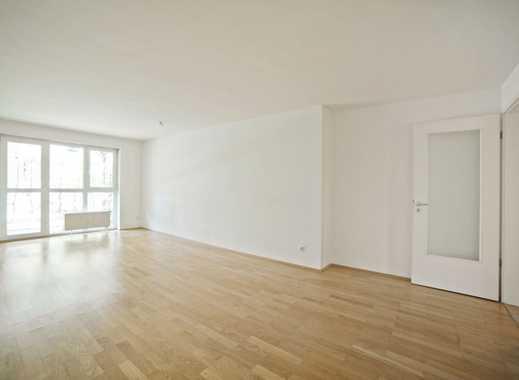 Zentral, Nähe S-Bahn: 2-Zimmer-Wohnung mit Terrasse und neue Küche