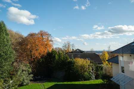 Exklusive Dachterrassen-Maisonette Wohnung mit Berg- und Seeblick in Feldafing (Starnberg)