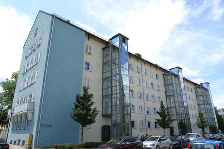 Eckwohnung optimal geschnittene 3,5 Zi. Whg. mit kl. Süd-Balkon und Wohnküche in Sendling-Westpark (München)