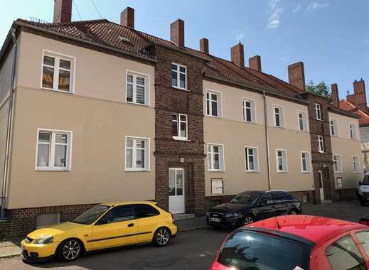 2,5-RW mit Sonnen-Loggia und großer Wohnküche im grünen Süden von Halle!