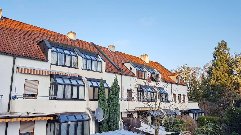 Citynahe, voll möblierte 2 Zimmer-EG-Wohnung mit Terrasse und TG-Stellplatz zu vermieten in Südwest (Ingolstadt)