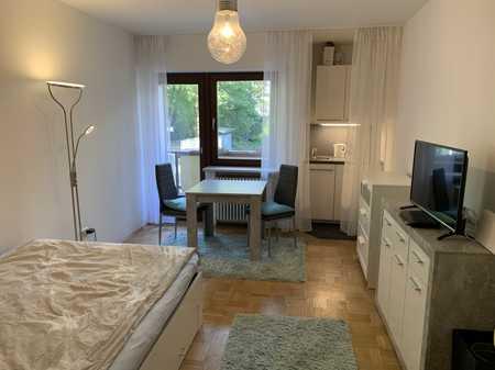 Schönes, möbliertes Apartment mit Balkon in Bogenhausen (München)