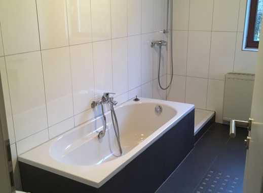 Preiswerte, modernisierte 4-Zimmer-Wohnung mit Balkon und EBK in Riegelsberg