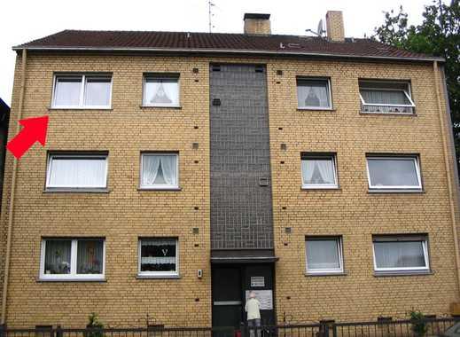 Sterkrade-Mitte, gemütliche 2,5-Zimmer-Wohnung mit Balkon im 2. OG in ruhigem 9-Familienhaus