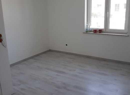 Frisch renoviertes Zimmer (15qm) in 2er Wg wird ab sofort frei