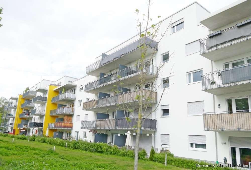 3 Zi. Erdgeschosswohnung mit Einbauküche und Terrasse in gepflegter Wohnanlage mit TG-Stellplatz! in Industriegebiet (Landshut)