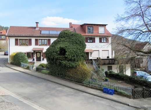 Zwei Mehrfamilienhäuser mit insgesamt 6 Wohneinheiten (davon eine derzeit unvermietet!)