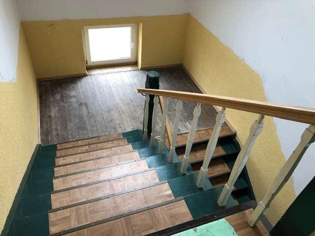 Treppe zu den Wohnungen