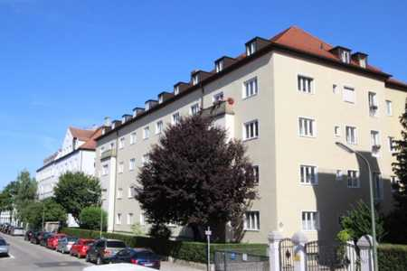3-Zimmer-Altbauwohnung in begehrter, ruhiger und dennoch sehr zentraler Stadtlage in Neuhausen (München)