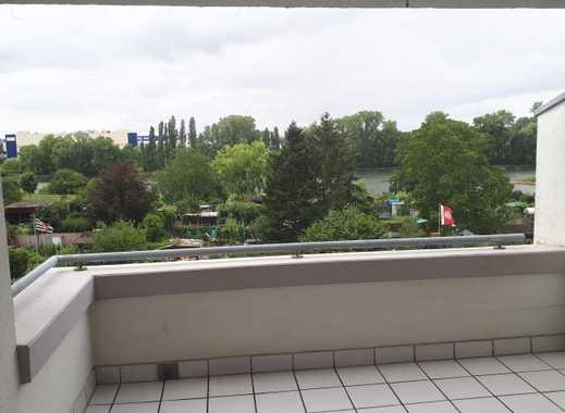 3-Zimmer Traumwohnung mit Mainblick, Dachterrasse, EBK, Tageslichtbad, Garage und Außenstellplatz
