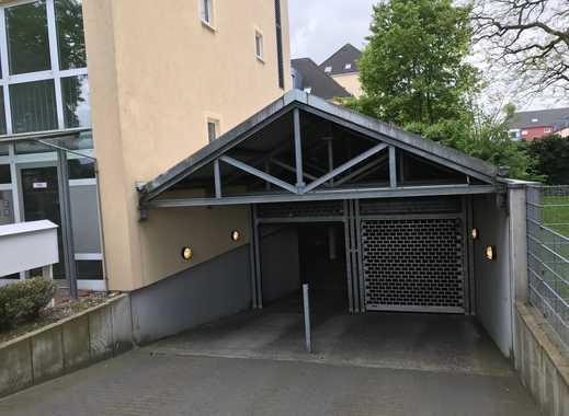 Tiefgaragen Stellplätze suchen neue Mieter in Düsseldorf - Benrath