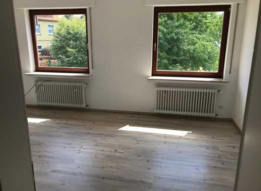 4er WG auf 130 m2 mit Dachterasse, Gästebad, EBK 320 EUR Warm pro Zimmer sucht noch Mitbewohner