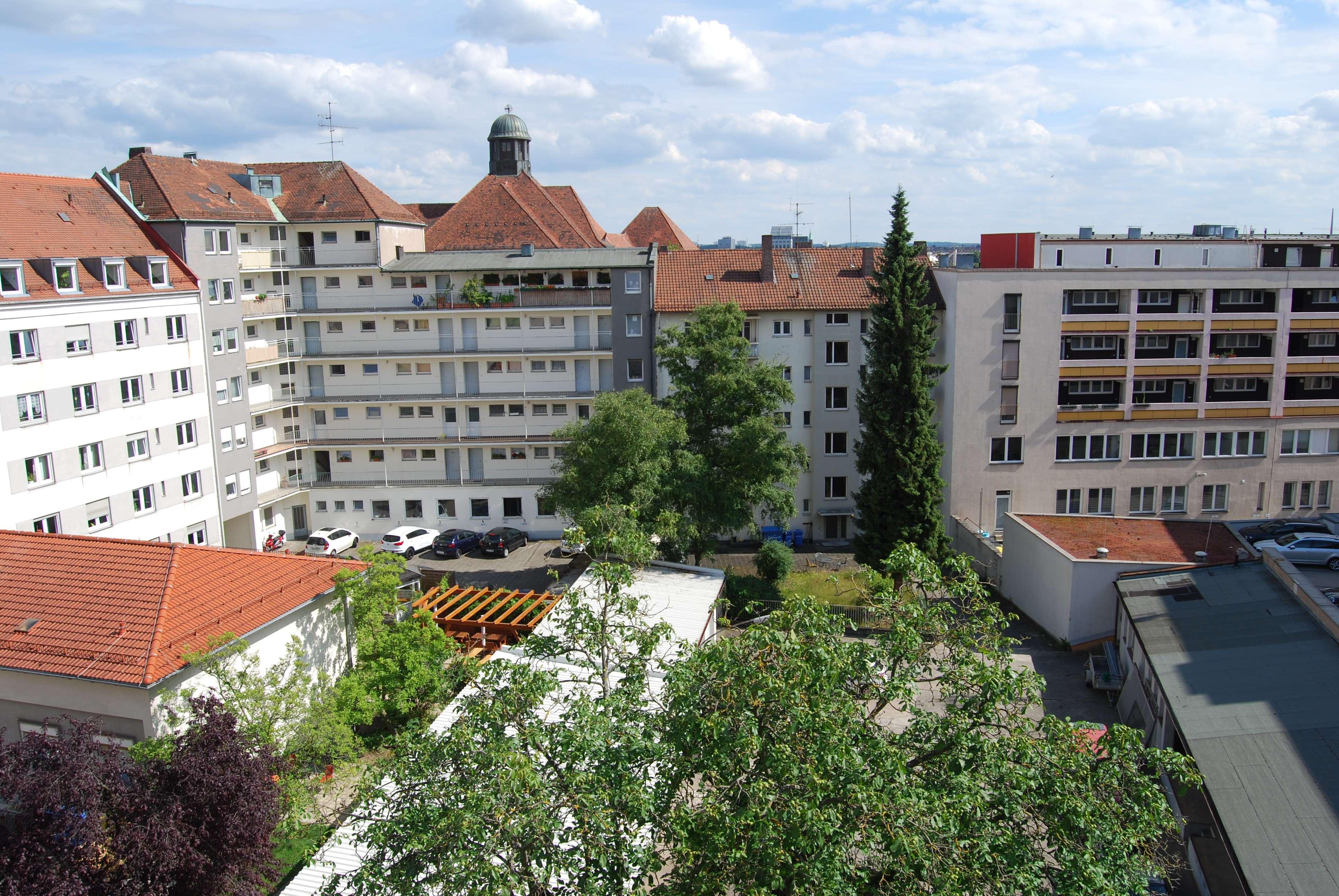 Gemütliche 4,5 - Zimmer Wohnung in zentraler Lage! For 2 ! Bitte, Anfragen per E-Mail ! in Wöhrd