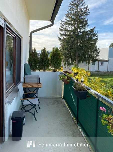 Schöne, helle 2-Zi.-Wohnung mit großem Balkon. Auch für 2er-WG geeignet. in Neuried