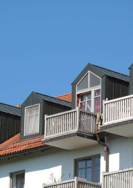 Sonnige 2-Zimmer-Dachgeschosswohnung mit Balkon und Einbauküche in Heining (Passau)