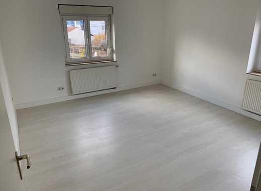 Stilvolle, modernisierte 2-Zimmer-Wohnung mit Einbauküche in Stuttgart