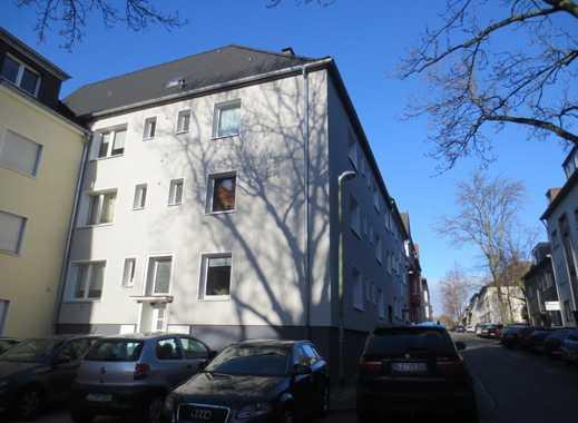 Gemütliche 2-Zimmer-Wohnung mit Einbauküche in perfekter Lage von E-Holsterhausen!