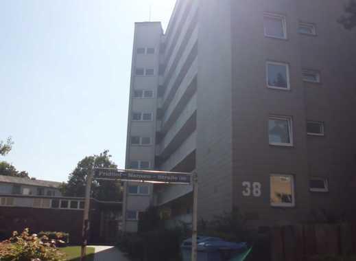 schöne 2,5-Zimmerwohnung mit Blick über die Dächer