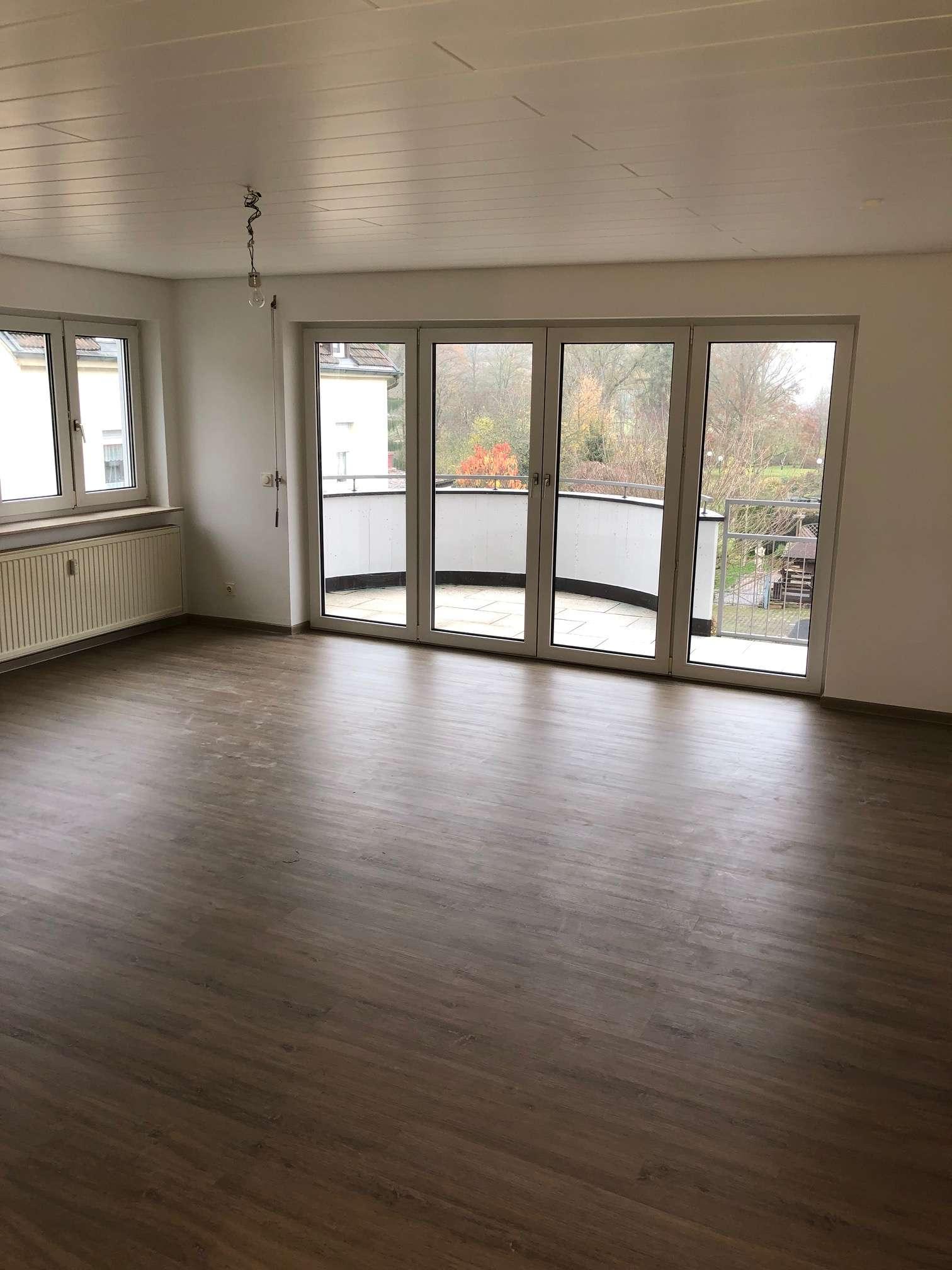 Attraktive 2-Zimmerwohnung mit neuer Einbauküche und Lift im Zentrum, Nähe Rosengarten in Bad Kissingen
