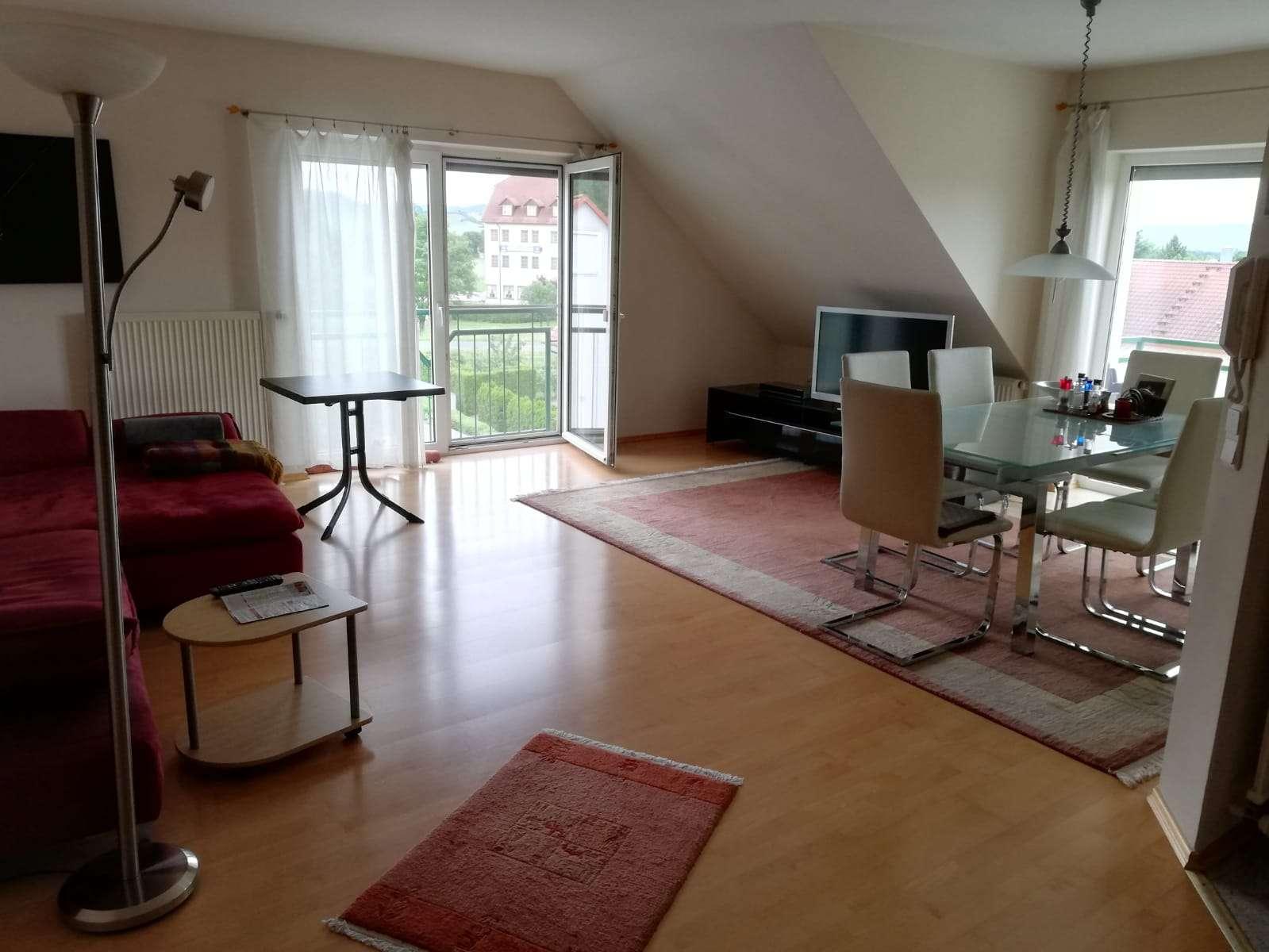 Freundliche 4-Zimmer-Maisonette Wohnung mit Balkon & EBK in Haßfurt-Augsfeld