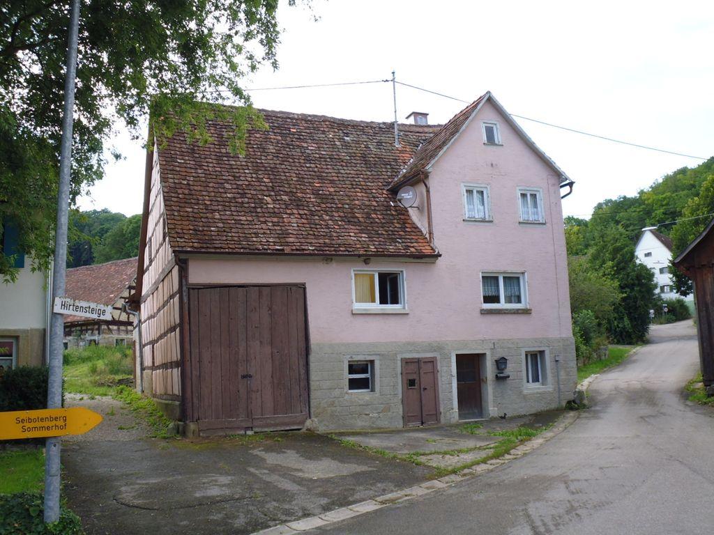 historisches einfamilienhaus mit angebauter scheune in kirchberg diembot. Black Bedroom Furniture Sets. Home Design Ideas