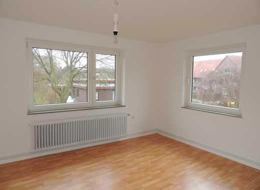 Renovierte, moderne 4 Zimmerwohnung mit Balkon ab sofort zu vermieten!