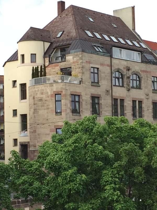 Bestlage: Einzigartige Maisonettewohnung über den Dächern Nürnbergs in