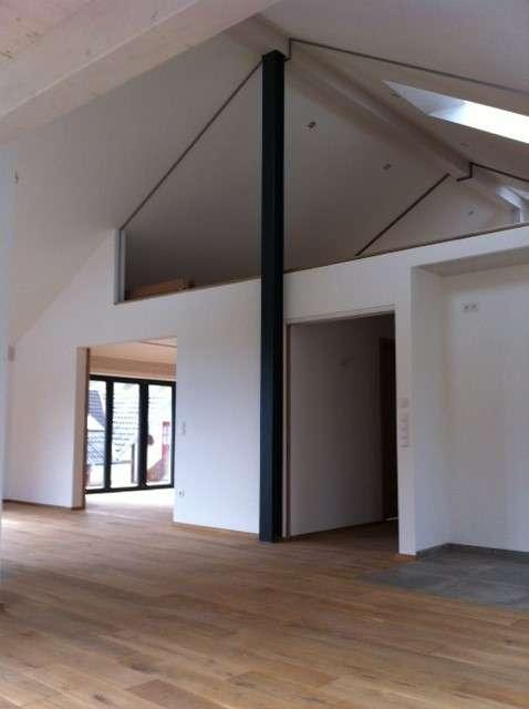 **Traumhafte DG-Luxus-Wohnung mit Galerie - Neubau-Erstbezug** in Berg (Starnberg)