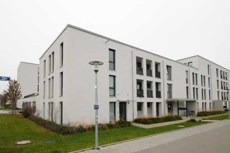 Sonnige 3-Zimmerwohnung mit großer Südloggia, offener Wohnküche und zwei Bädern in Perlach (München)