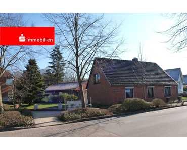 Solides Einfamilienhaus mit tollem Nebengebäude und Wintergarten in Oelixdorf