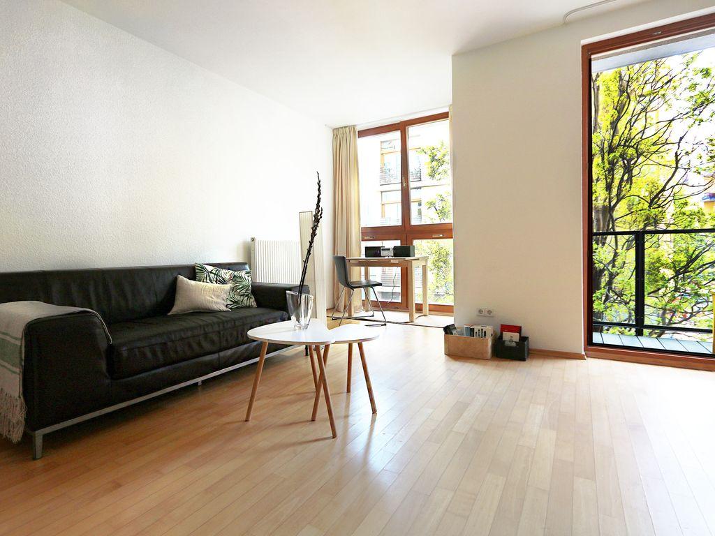 01-apartment685