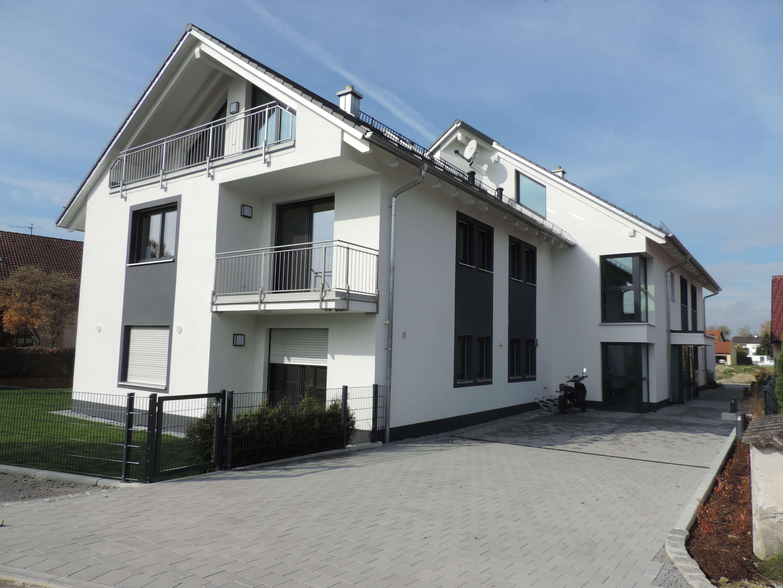 Sehr schöne 5-Zimmer-Wohnung mit 3 Balkonen in