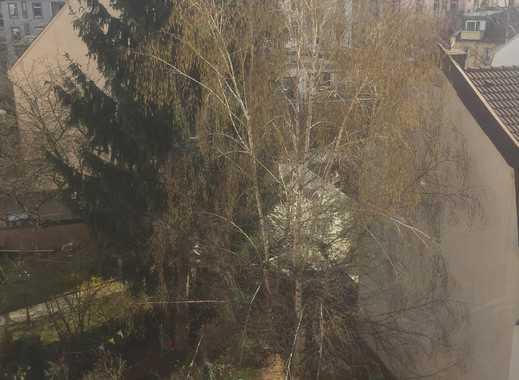 17qm Altbauzimmer im schönen Frankfurter Nordend