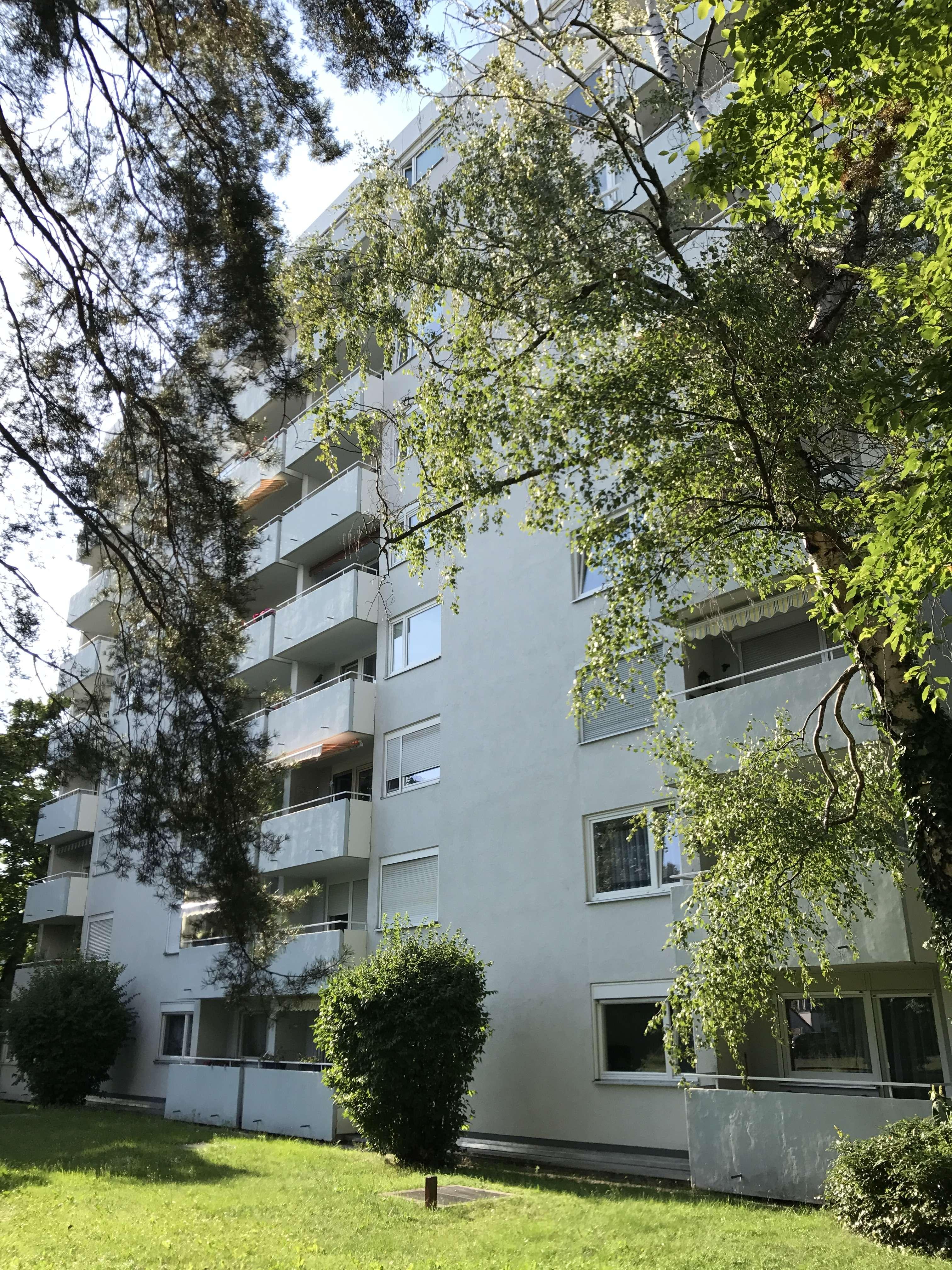 Schöne, renovierte 2 Zimmer Wohnung in Nürnberg, Röthenbach West mit Einbauküche
