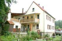 1-2 Familienhaus mit überbautem Innenhof -