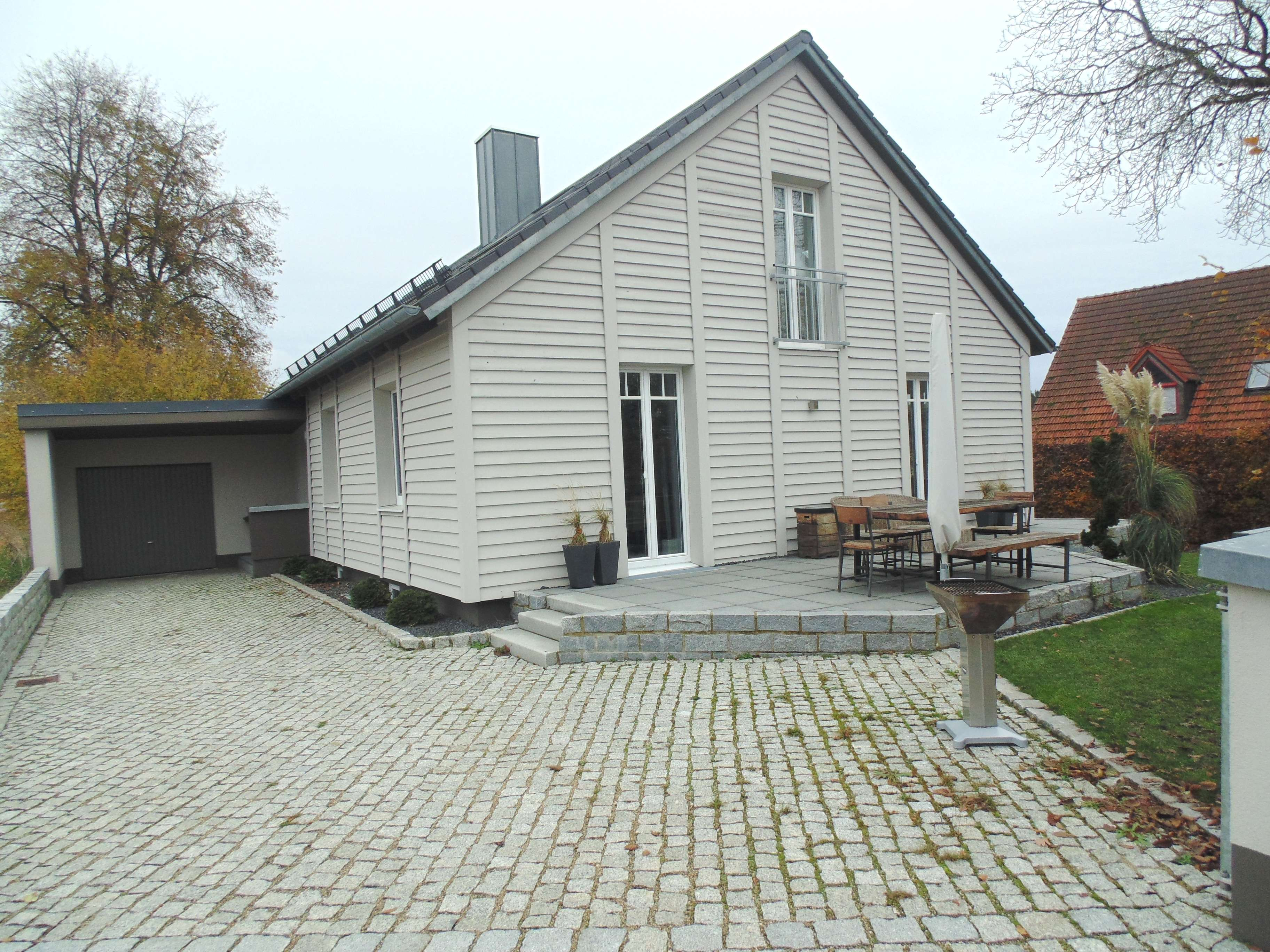 2-Zimmer-Dach-Wohnung 72 m²,vollständ. saniert, neue EBK, ruhige, ländliche Lage Gemeinde Indersdorf in Markt Indersdorf
