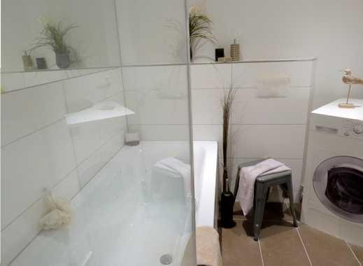 Helle DG Wohnung, 3 ZKB, moderne Ausstattung, WG geeignet